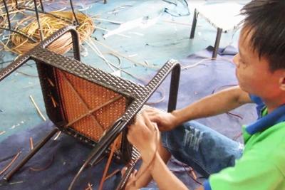 Sản xuất bàn ghế cafe nhựa giả mây MT2A90 tại xưởng đan mẫu Nội Thất Minh Thy