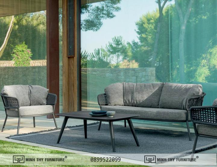 sofa nhua gia may