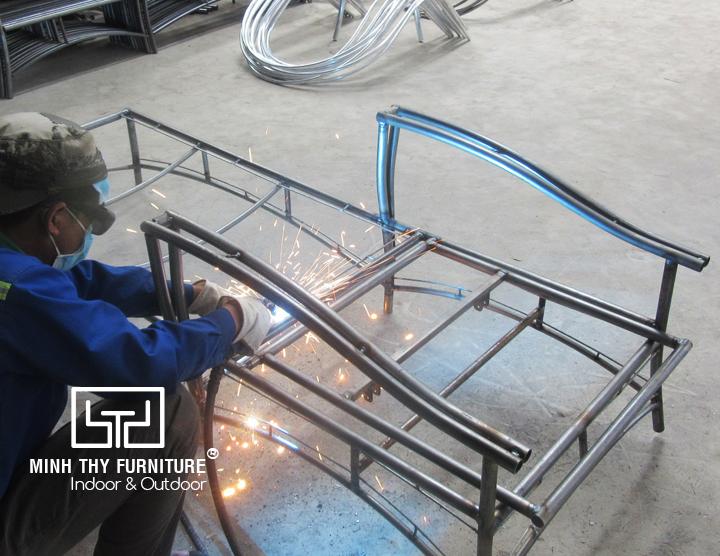Hướng dẫn ra mẫu khung sắt mạ kẽm ghế hồ bơi tại Minh Thy Furniture