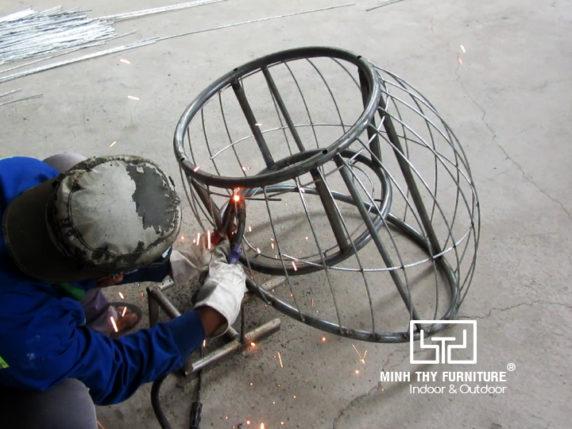 Hướng dẫn cách ra mẫu khung sắt mạ kẽm ghế trứng cafe giả mây