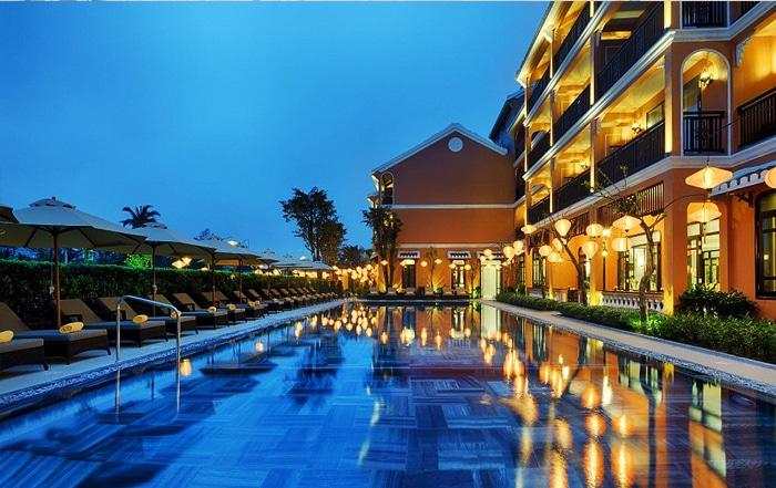 A Little Luxury Hotel Spa chon minh thy furniture cung cap ghe ho boi nhua gia may 11